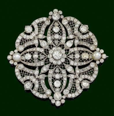 "An old-cut diamond brooch total weight c. 15 ct; this has to be Edwardian/ Belle epoch…just gorgeous. <a class=""pintag"" href=""/explore/diamondbrooches/"" title=""#diamondbrooches explore Pinterest"">#diamondbrooches</a><p><a href=""http://www.homeinteriordesign.org/2018/02/short-guide-to-interior-decoration.html"">Short guide to interior decoration</a></p>"