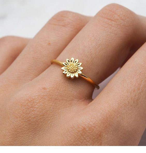 Sweet sunflower ring design