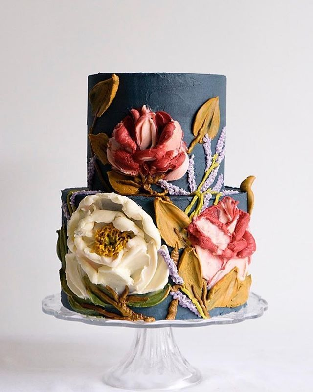 Cake artist @10bloomcakes uses buttercream like 3d oil paintings and we're obsessed! Froom moody to romantic we've rounded up 20 cakes we're loving for winter weddings this year -- link in bio   #weddingcakeideas #weddingcaketopper #tieredcake #weddingcakeinspiration #cakesofinstagram #cakestagram #cakeart #cakeartist #cakedesign #weddingcake #ruffledblog #weddingblog #cakecakecakecake #cakewedding #pastrylife #weddingcakegoals #weddingideas #weddinginspo #weddingcakeinspo #baking #bakinglove #o
