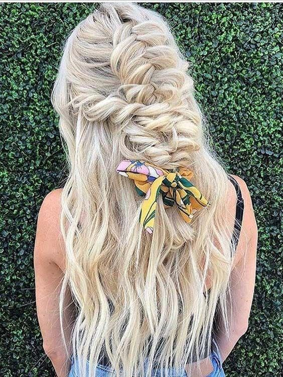 Are you trying to find the best braids and wedding hairstyles? No need to worry at all, just see here our amazing collection of braid styles to get romantic personality. This post is especially created for all those ladies who still can't find best wedding hair looks. #bestweddinghaircuts