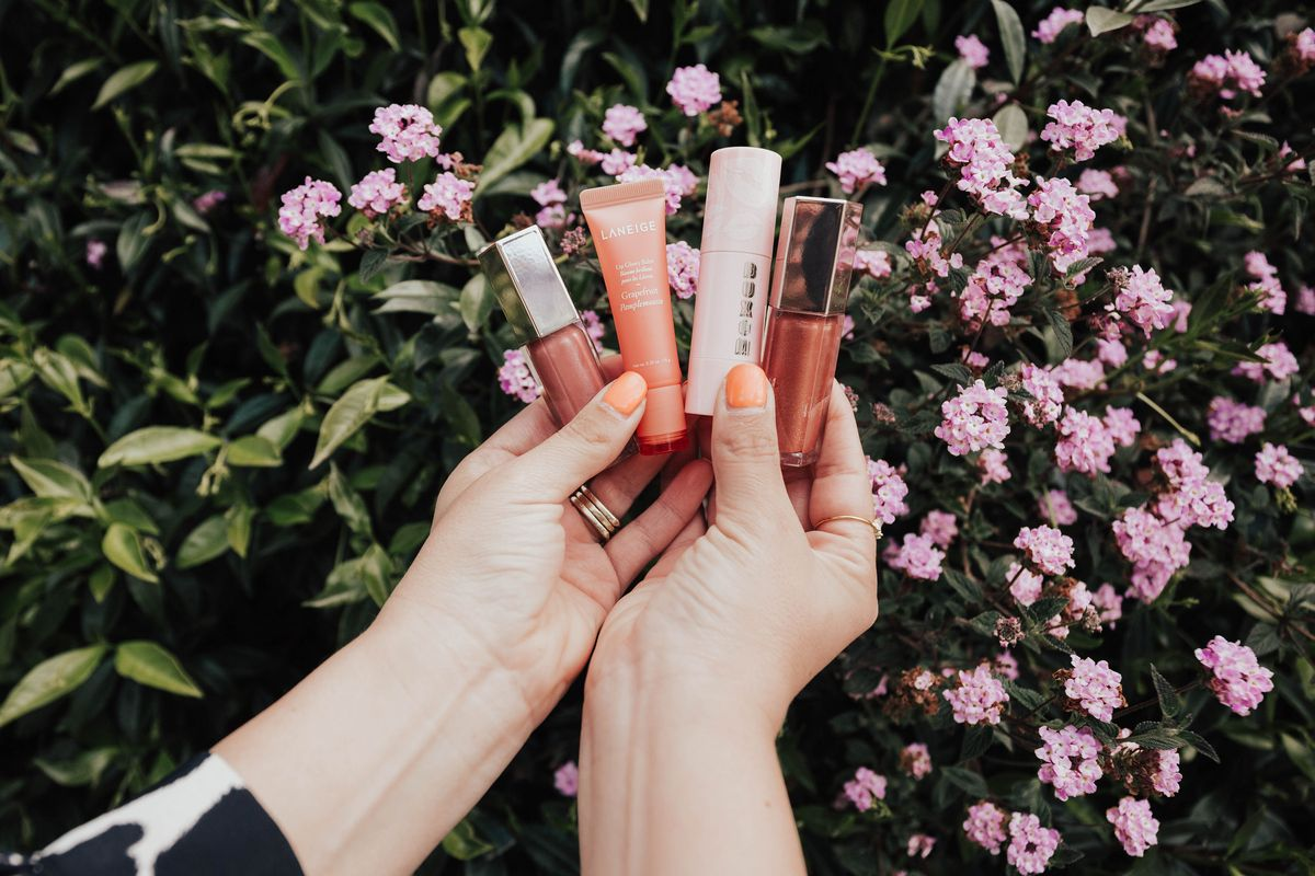 San Francisco blogger, Ashley Zeal, from Two Peas in a Prada shares her top picks from the big Sephora Sale 2019. Find out her holy grail products, and what's in her cart!