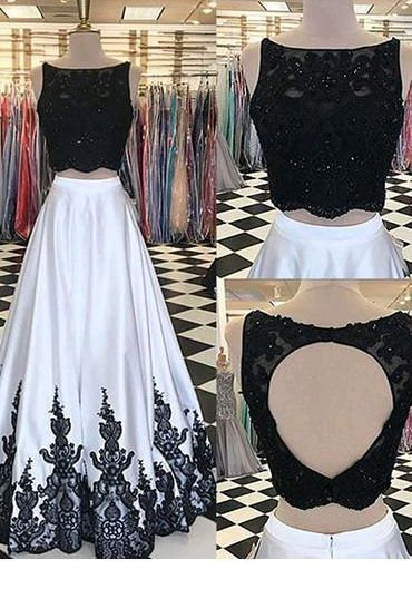 Glam black crop top and long white skirt with black details
