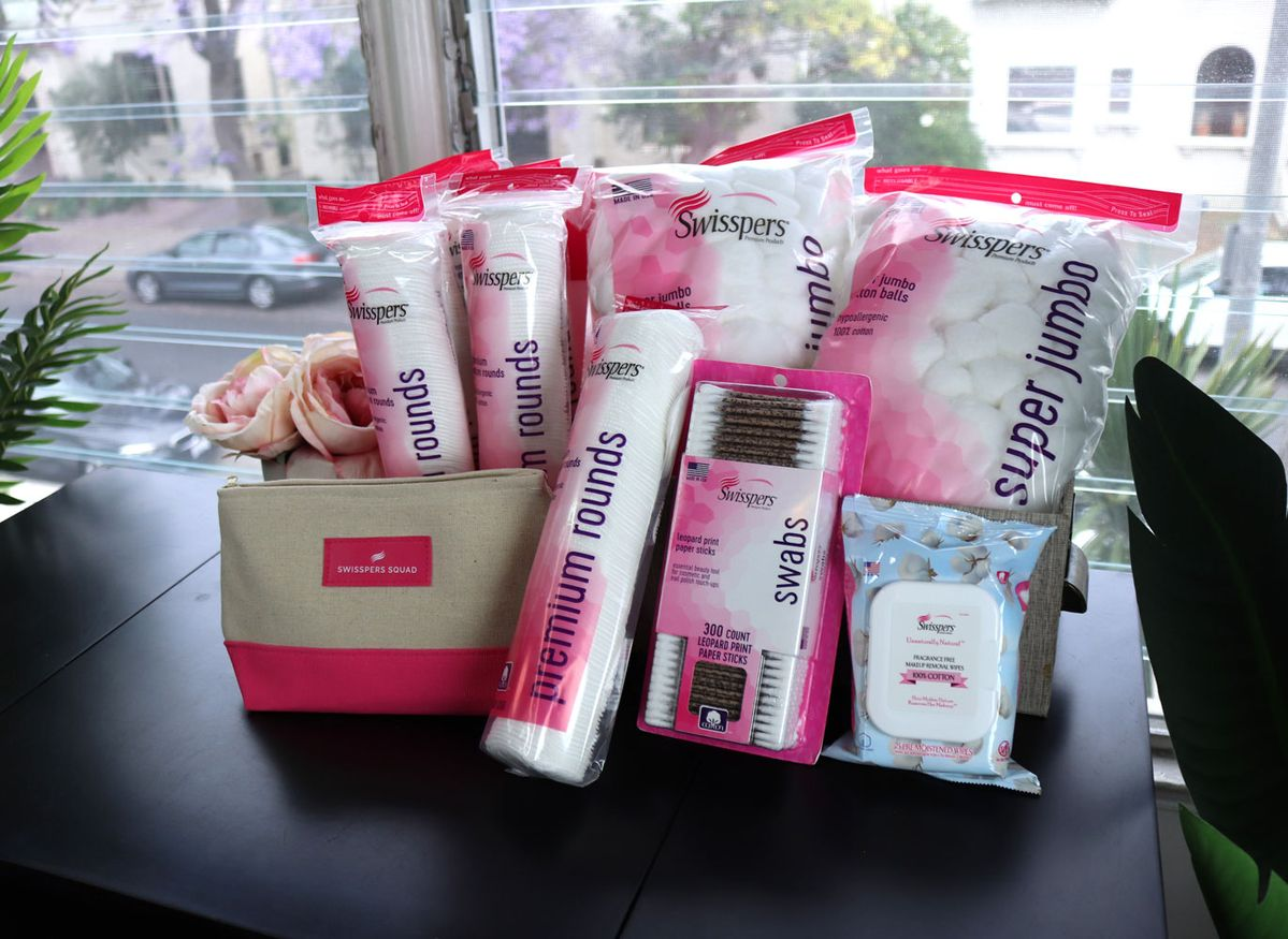 AD The older I get, the more I know EXACTLY what I want. I've found the best cruelty free cotton products for makeup application and removal, and I want to tell you all about them! PLUS a Swisspers beauty giveaway!