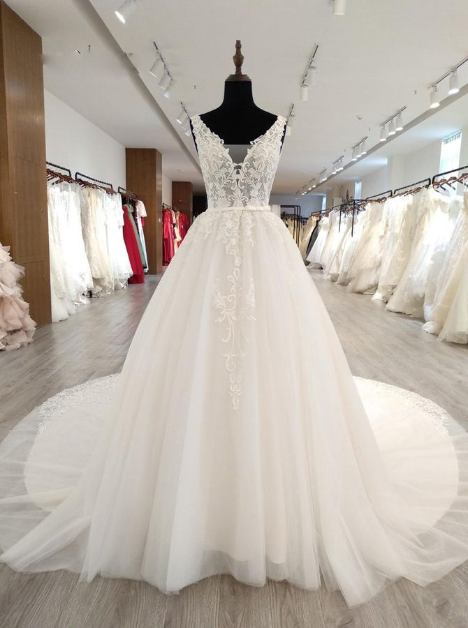 Gorgeous Wedding Dresses with Appliques,White Wedding Dress with Long Train, Princess Wedding Dresses Fall,11568 - Landress.co.uk