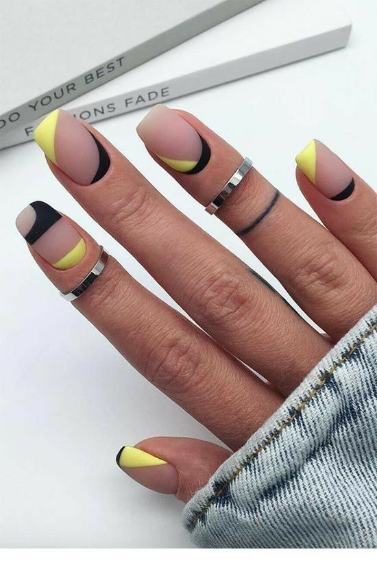 I like this matte manicure with some yellow details