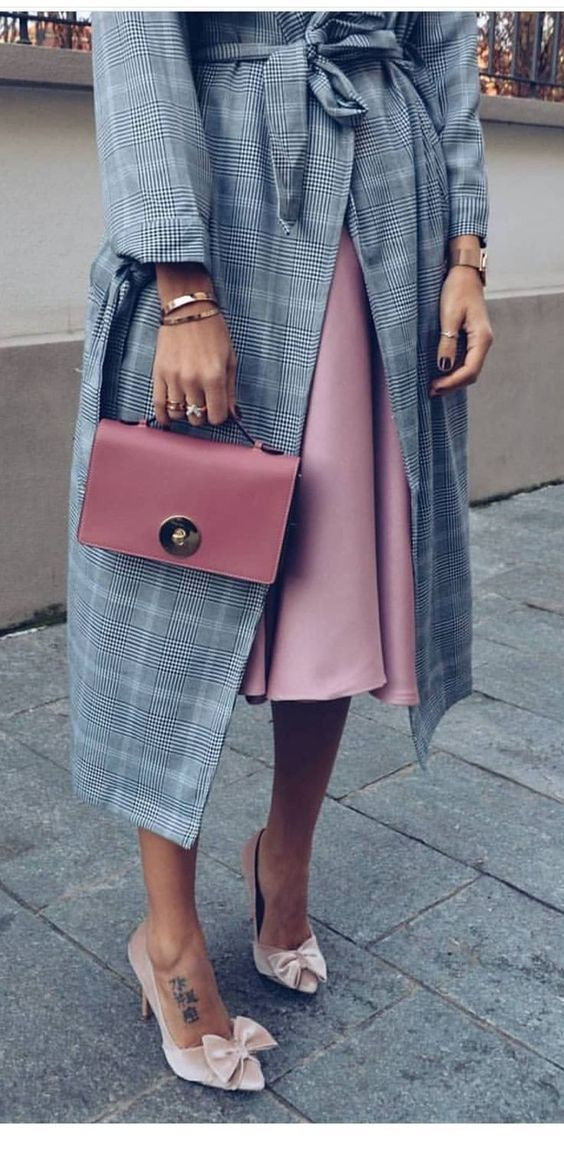 Pink dress and bag with plaid coat
