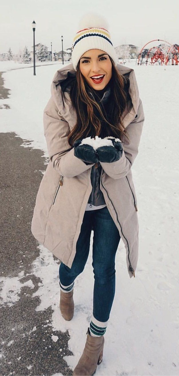 black and white zip-up jacket #winter #outfits