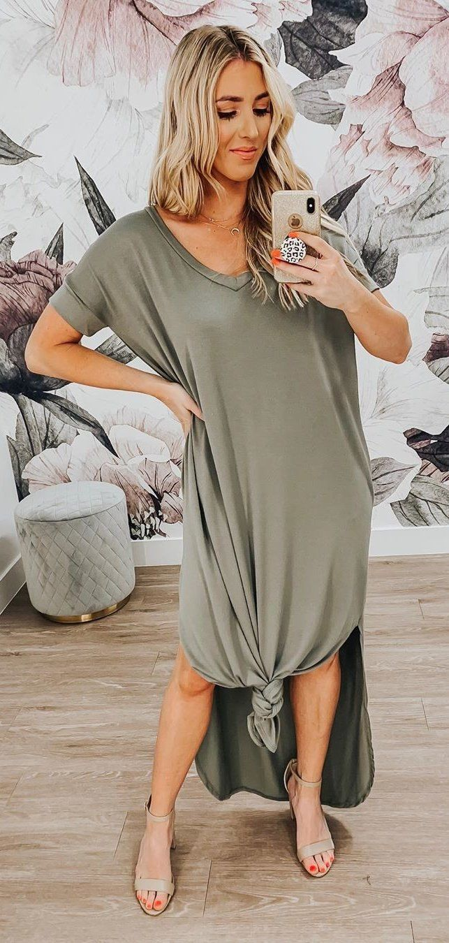 gray scoop-neck dress #summer #outfits
