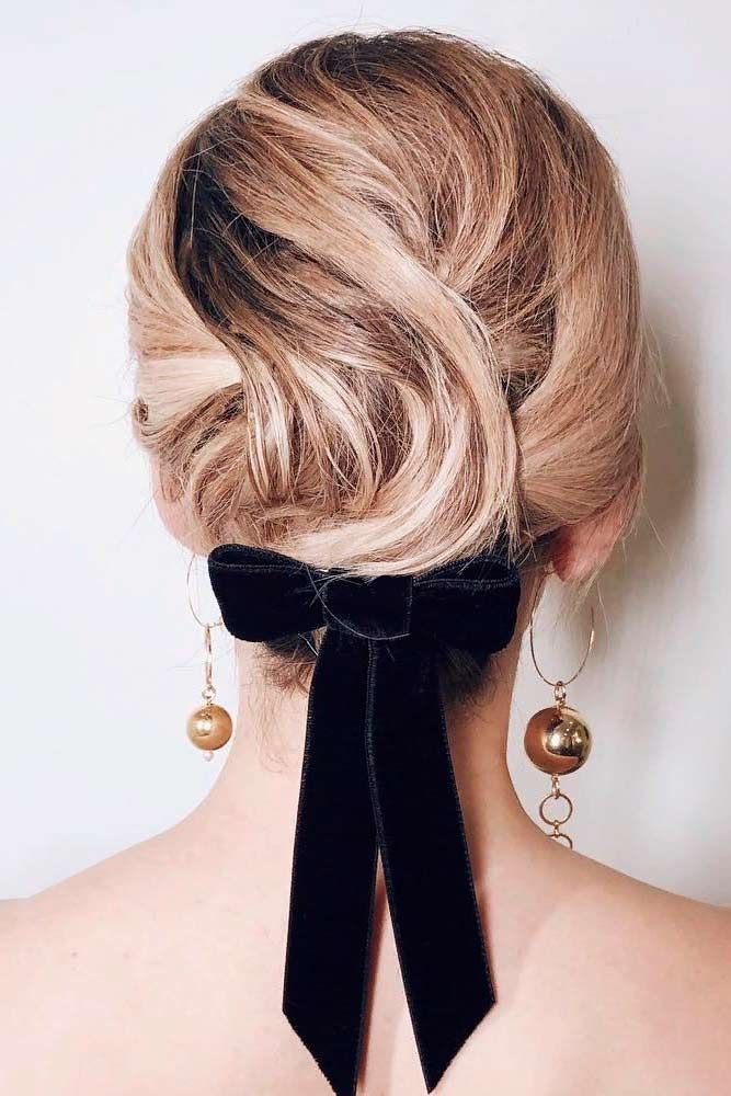 Easy Updo With Bow #updohairstyles #blondehair ★ Cute and easy shoulder length hairstyles for thin and for thick hair can be found here. These styles can work for adult women and for teens. #glaminati #lifestyle #shoulderlengthhairstyles