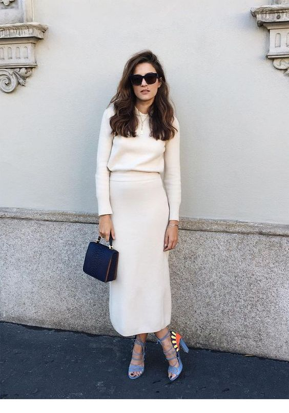 Amazing white sweater and skirt with cool accessories