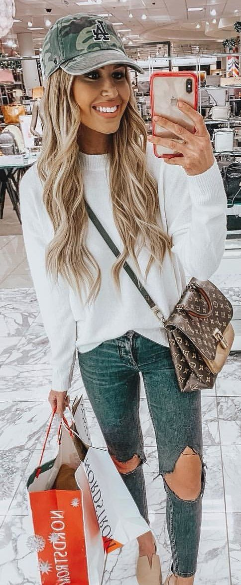 white crew-neck sweatshirt