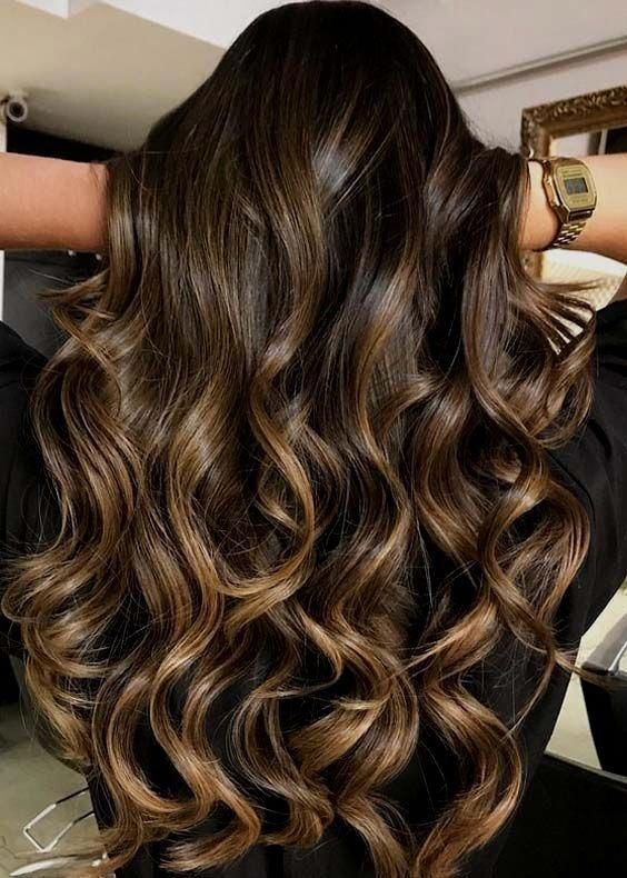 Gorgeous curls and the color is absolutely stunning!!!!!! 😀♥️ #brunettebalayagehair