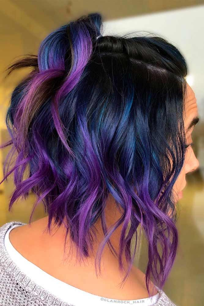 Wavy Bob With Purple Highlights #wavyhair #hairhighlights ★ All the inverted bob hairstyles: stacked, choppy, short, curly, with side bangs, with layers, are gathered here! #glaminati #lifestyle #invertedbob