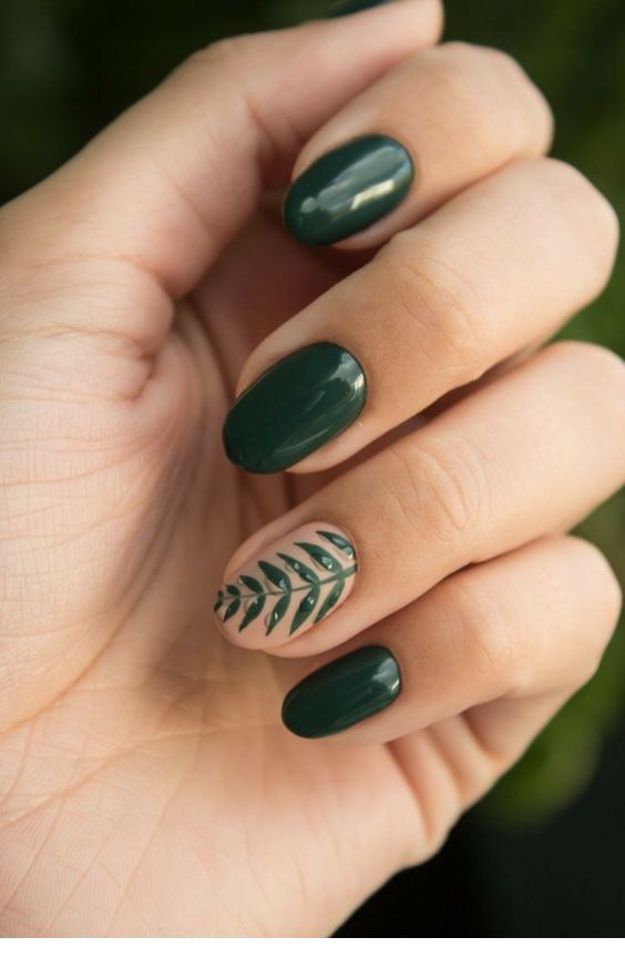 Glam green nails nature inspired