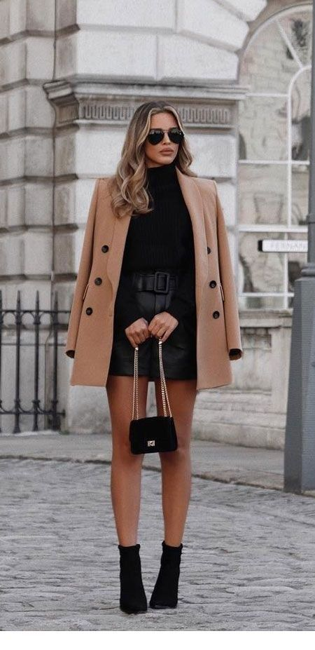All black and a brown coat for street style