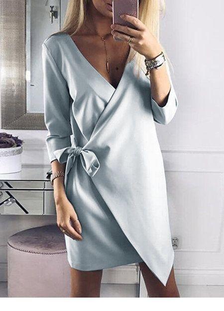 Cool V-neck side to side dress