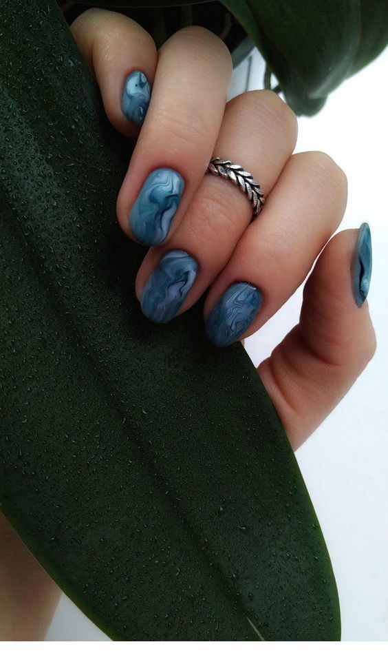 Lovely blue short nails | Inspiring Ladies