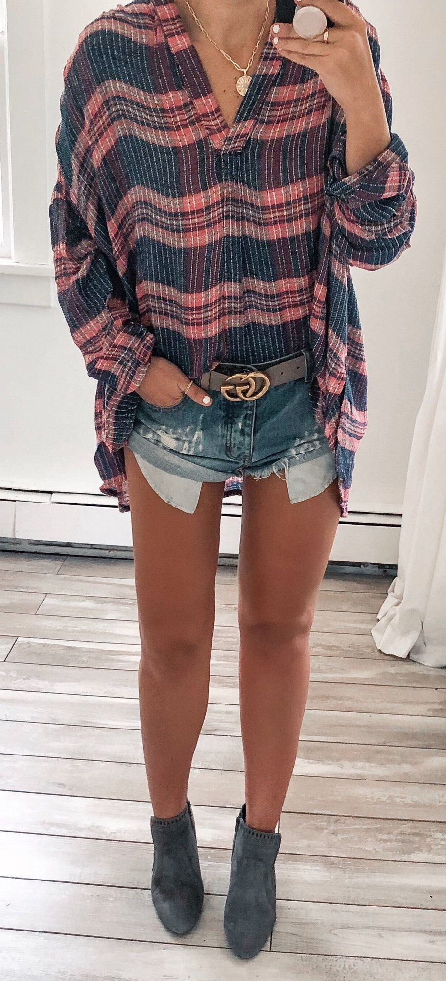 black and pink plaid V-neck long-sleeved blouse #spring #outfits