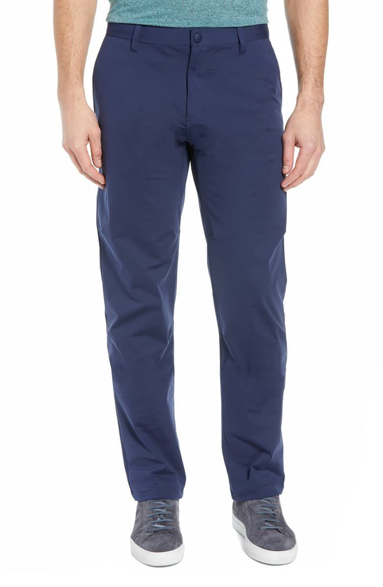 These work pants are the perfect point A-to-B-and-back style in a comfortable stretch weave tailored in a straight-leg flat-front silhouette.