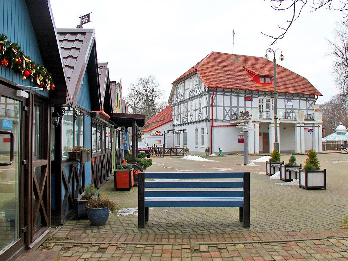Вид на Дом Культуры с площади Мастеров