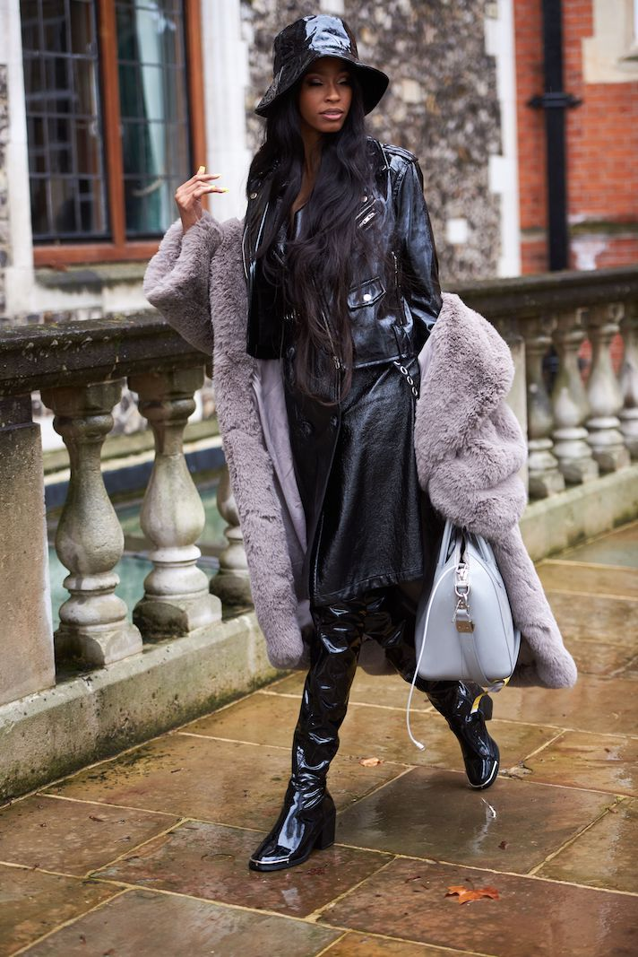 STYLECASTER | street style | outfit ideas | outfit ideas for women | baddie outfit ideas | streetwear fashion |fall outfit ideas | winter outfit ideas | cold weather outfits | spring outfit ideas | outfit inspiration | outfit ideas for school | London Fashion Week 2020 Street Style