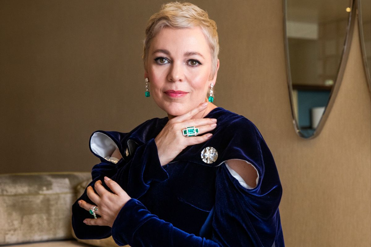 Olivia Colman Wears Atelier Swarovski Fine Jewelry at the Oscars