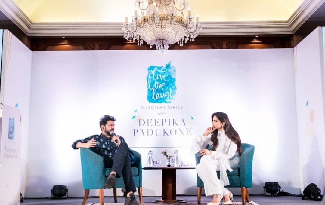 In Conversation With Siddhartha Mukharjee At An Event In Delhi Decor Home Decor Home Decor Decals