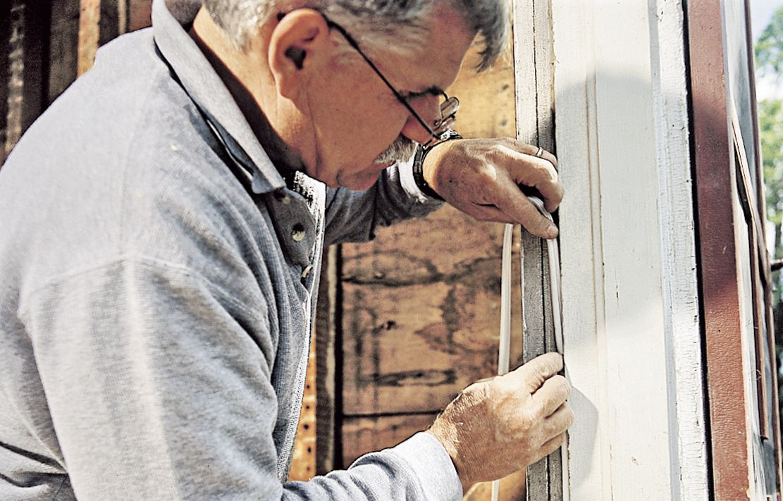 How to Keep a Storm Door from Rusting During Winter