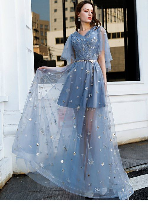 Nice blue tulle dress with stars