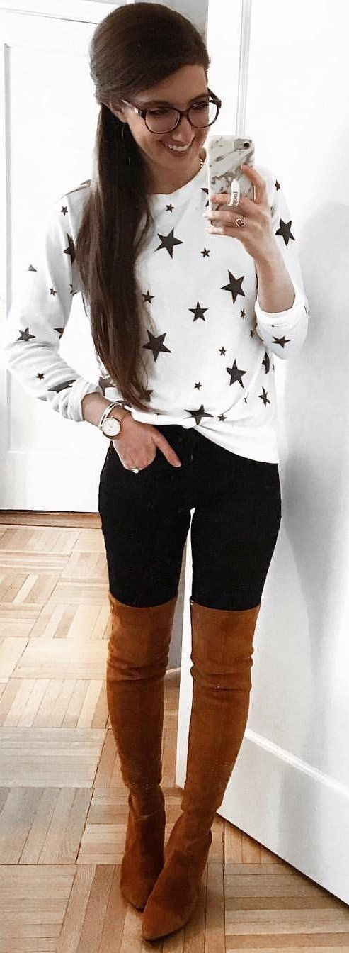 white and black crew-neck 3/4-sleeved top