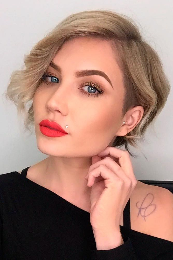 Wavy Blonde Bob #wavyhair #shorthair ★ Wavy, straight asymmetrical bob hairstyles for short and medium hair without and with bangs can be found in our gallery. Be edgy and stylish! #glaminati #lifestyle #asymmetricalbob