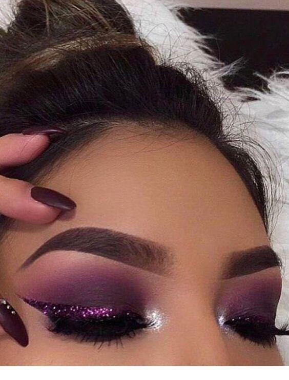 I love this purple makeup