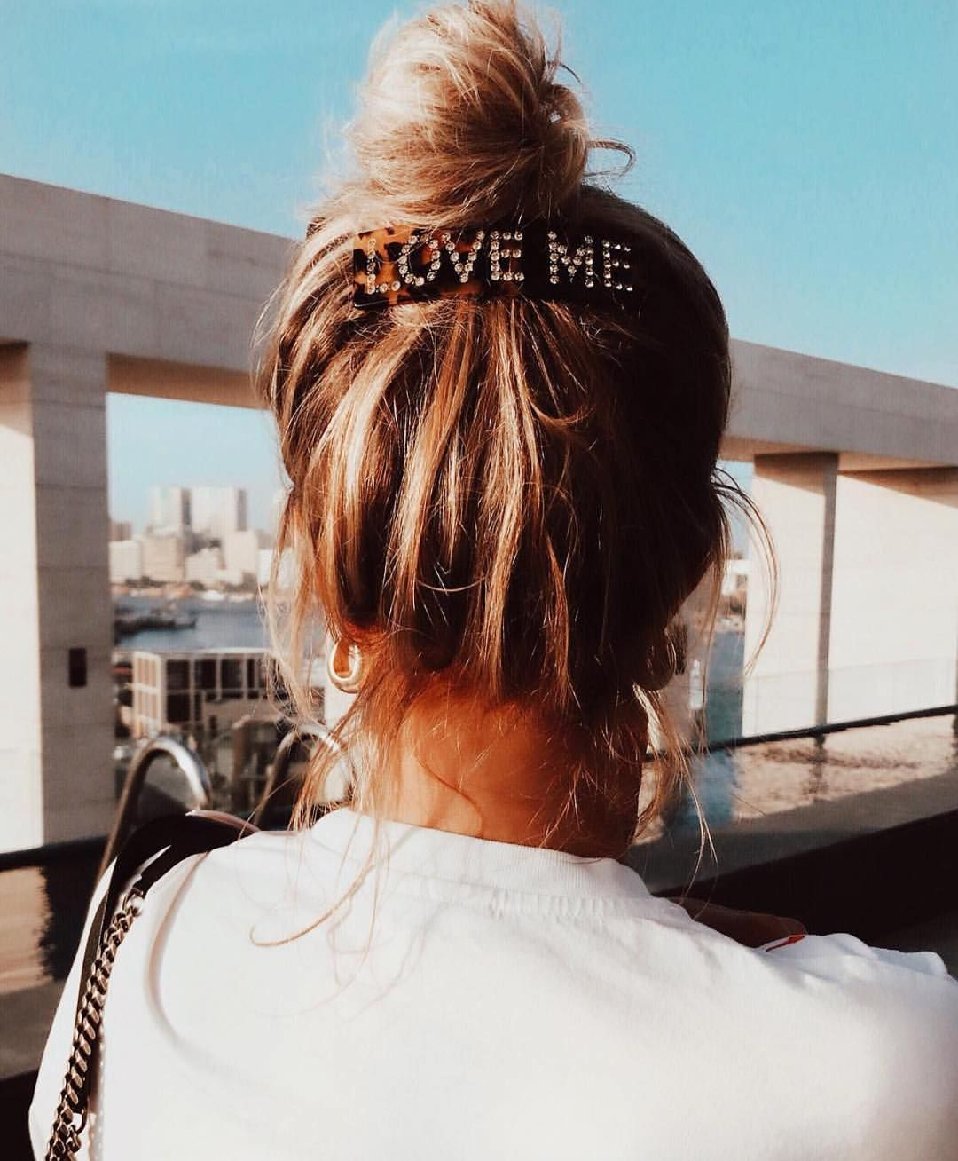 "Miss Mathiesen on Instagram: ""Aim for the weekend ❤️ Love Me . . @heddaskoug #gevirxmissmathiesen #loveme #hairclips"""