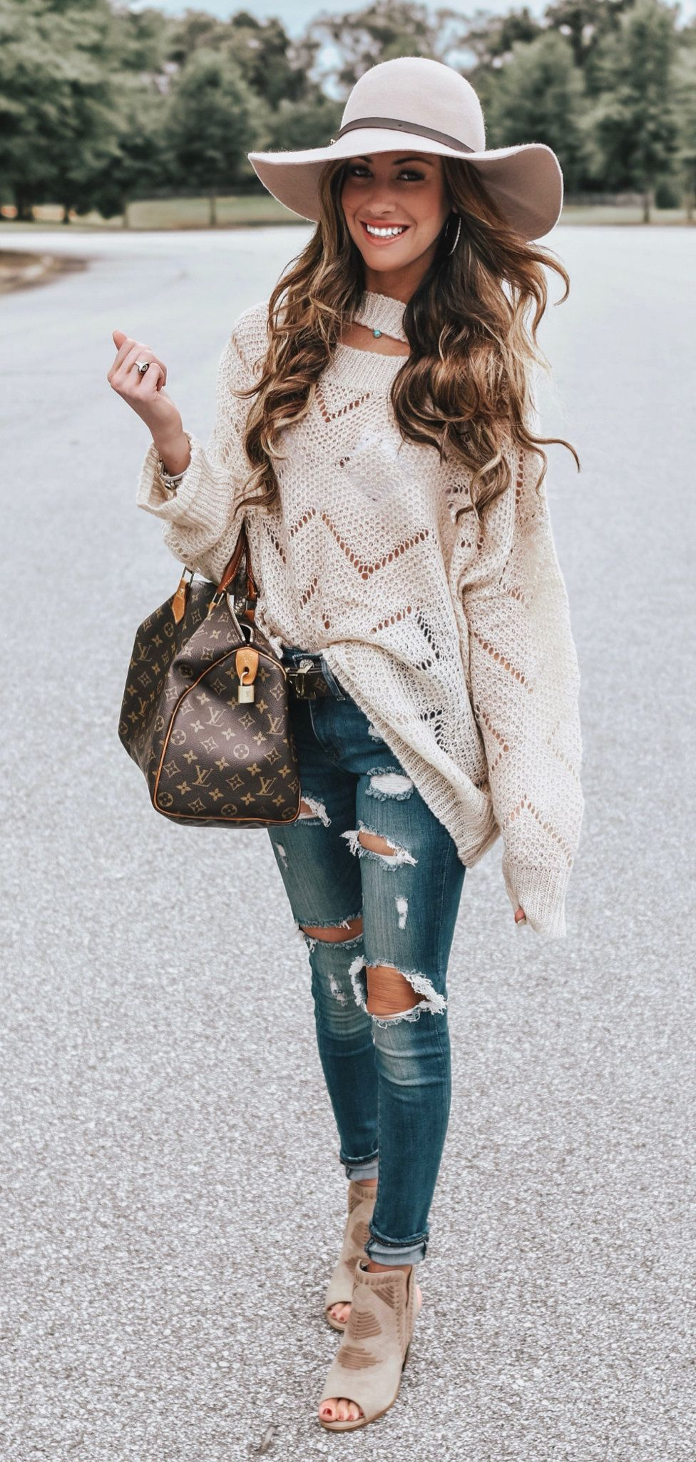 white sweater and white hat #spring #outfits