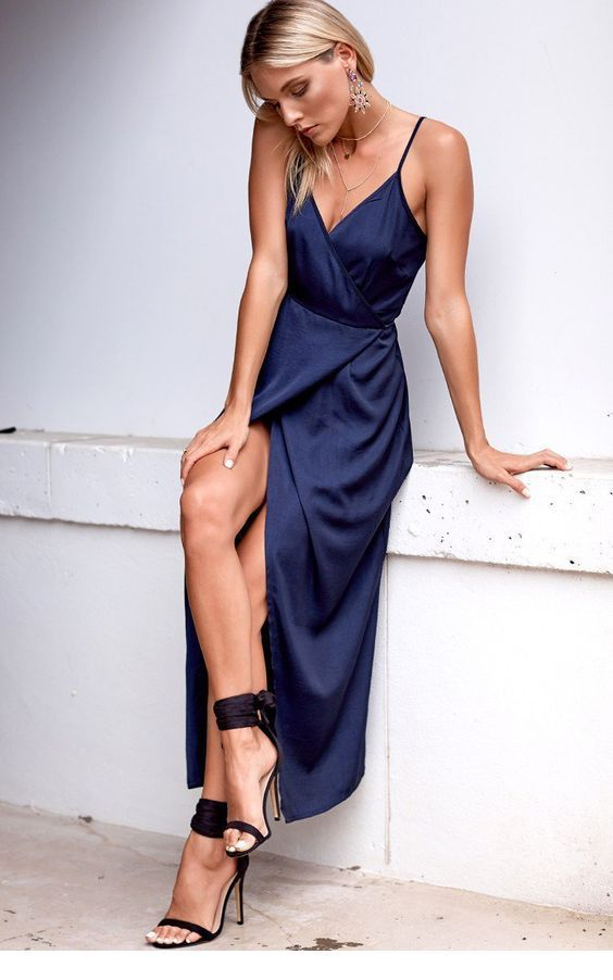 Long simple navy dress with black sandals