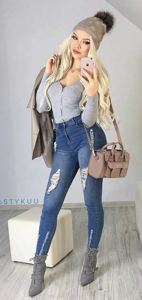 blue denim distressed fitted jeans #spring #outfits