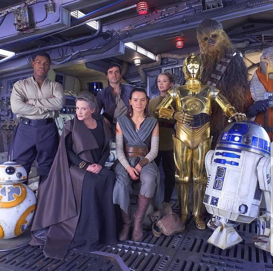 I'm an admitted Star Wars geek... Love this shot from TLJ! #StarWars #daisyridley #repost
