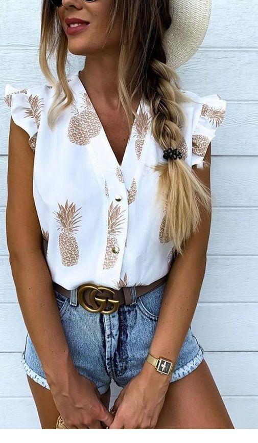 Cute pinapple shirt and short jeans
