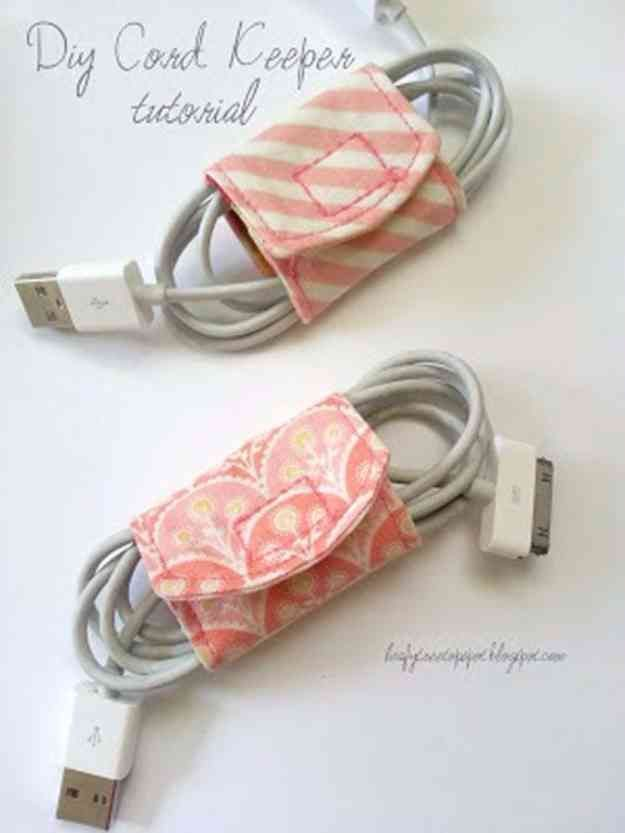 Free Sewing Patterns | DIY Charging Station Accessories #sewingideas #sewingprojects
