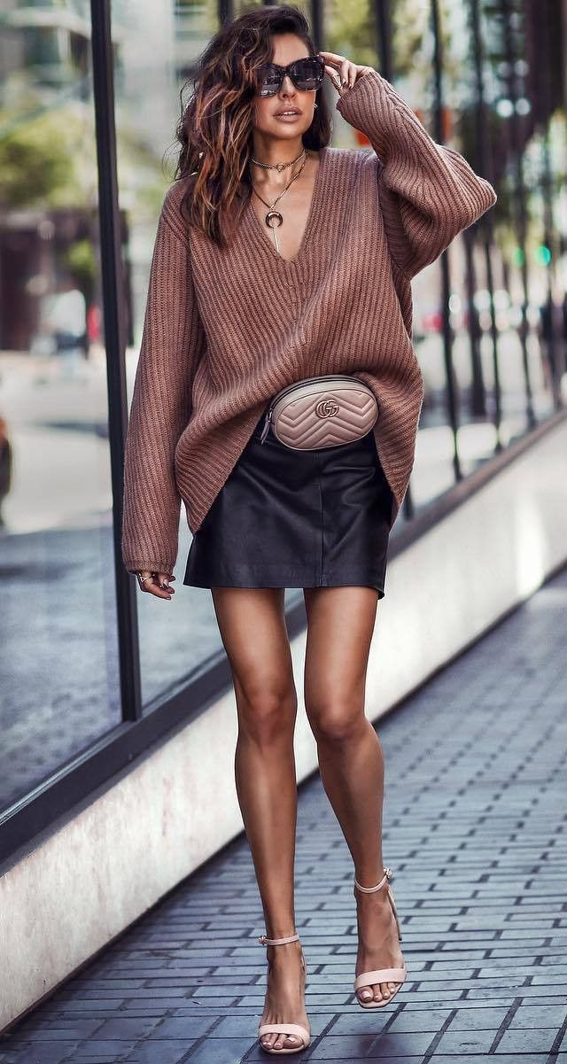 fall fashion look | brown oversized sweater leather skirt beige waist bag heels