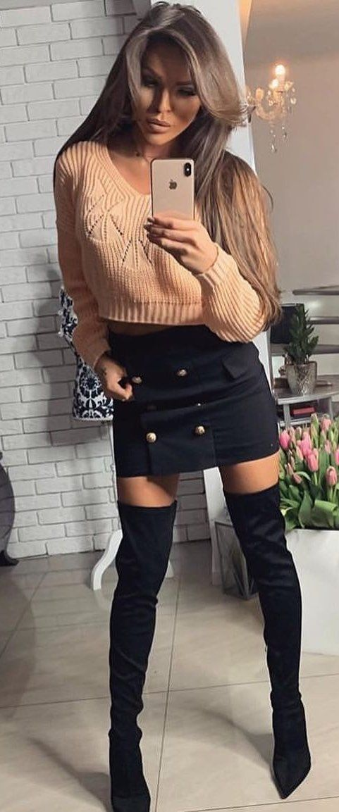 brown crew-neck long sleeved shirt #spring #outfits