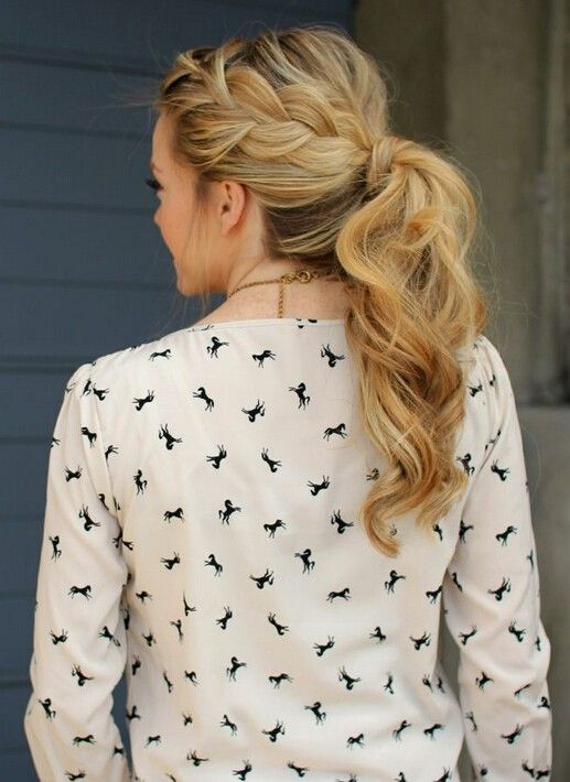 """Pretty Everyday Hairstyles for Women Long Hair: super loose french side braid<p><a href=""""http://www.homeinteriordesign.org/2018/02/short-guide-to-interior-decoration.html"""">Short guide to interior decoration</a></p>"""
