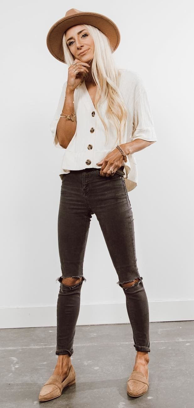 white button-up 3/4-sleeved shirt #spring #outfits