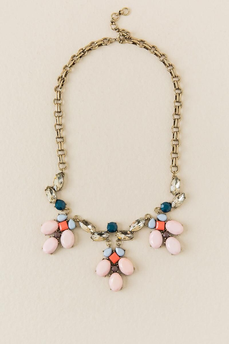 OPAQUE STATEMENT NECKLACE