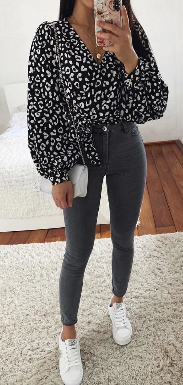black and white leopard skin scoop-neck long-sleeved blouse #spring #outfits
