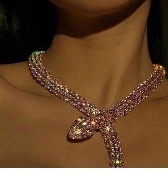 Glam pink nacklace design