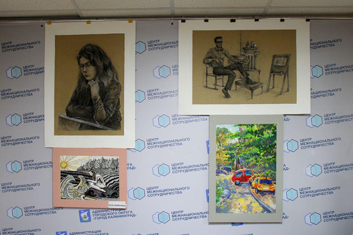 Работы Анны Шабалиной - участницы выставки