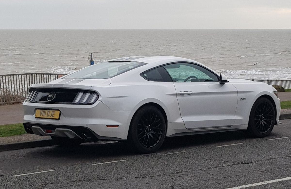 White Platinum GT Sports cars luxury, Mustang gt, Sportscar