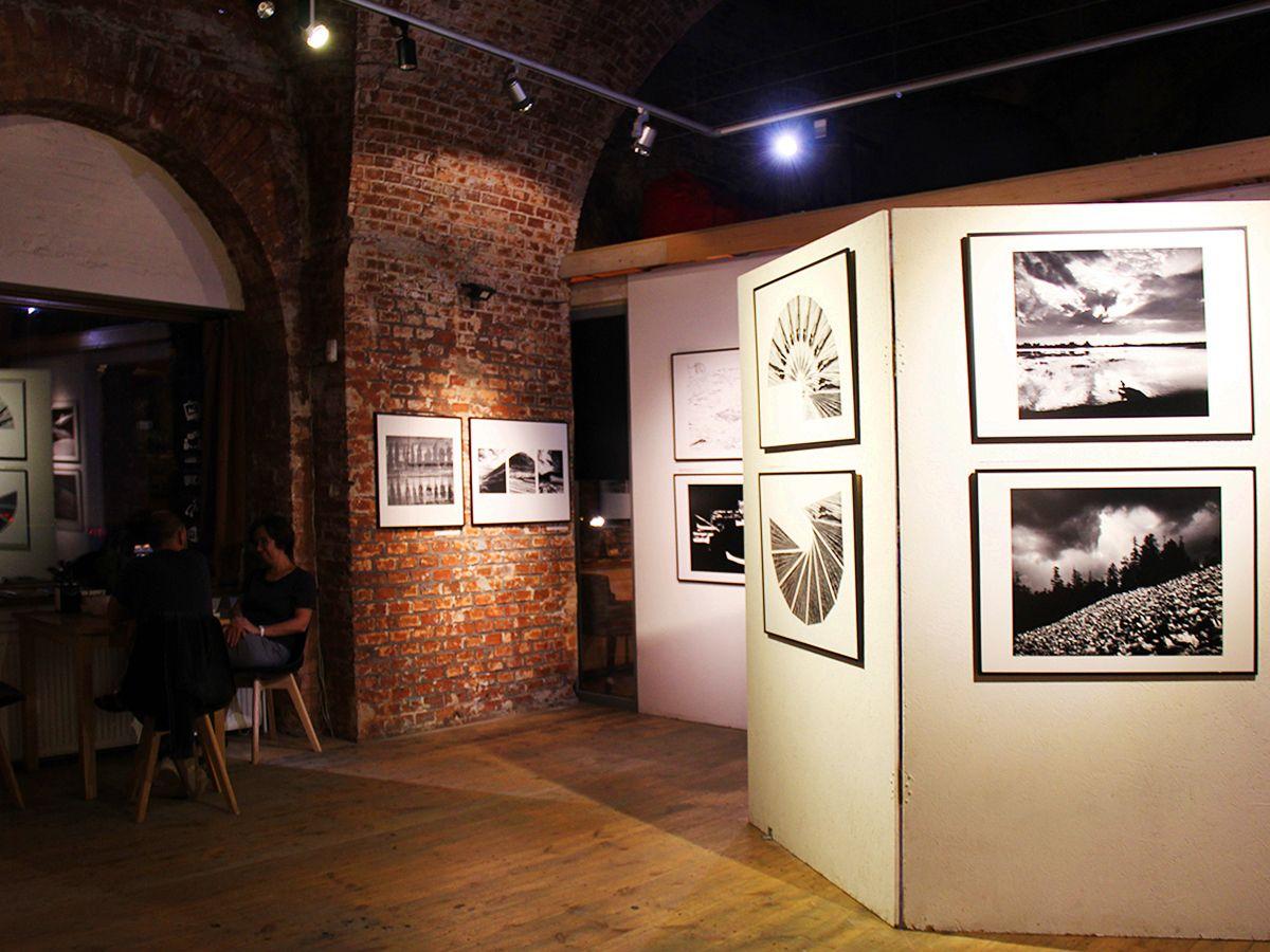 Фотовыставка в Закхаймских воротах г. Калининград. Фото Евгении Шведы