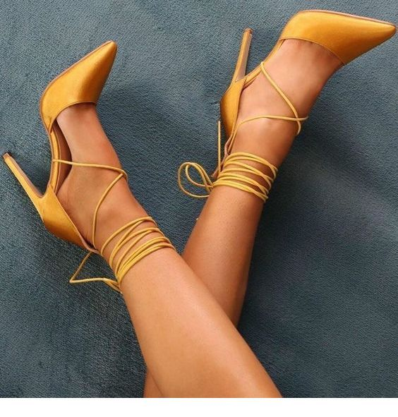 Glam yellow shoes design